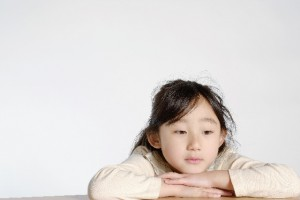 寂しい子供のイメージ