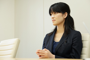 デイライト法律事務所橋本誠太郎執務中