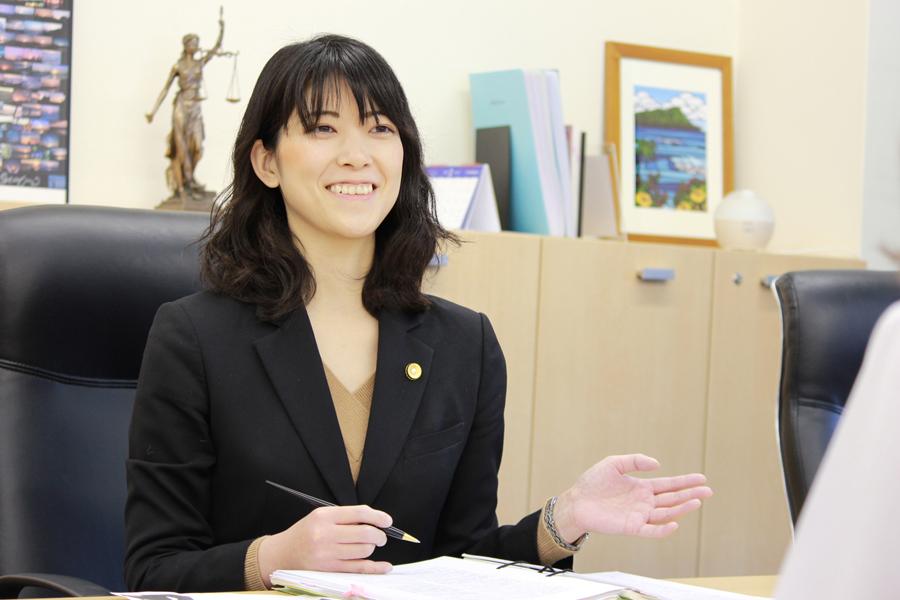 デイライト法律事務所勝木萌相談風景